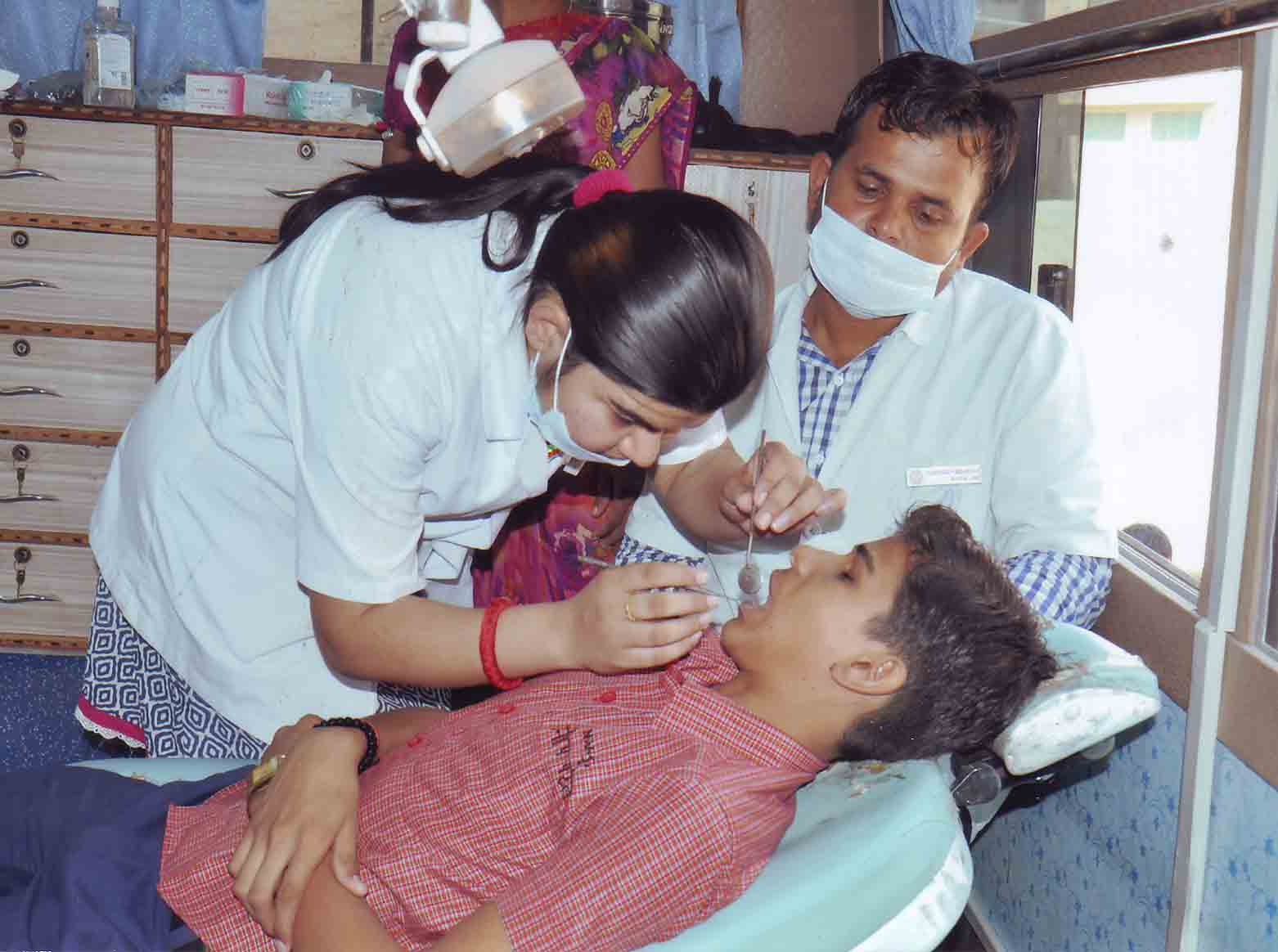 Dental checkup by JODHPUR DENTAL COLLAGE